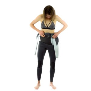 how to put on a chest zip wetsuit